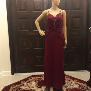 Dresses & Skirts - NWT burgundy dress size 40 on the tag